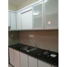 Fairway View Built In Kitchen near Queensbay Mall